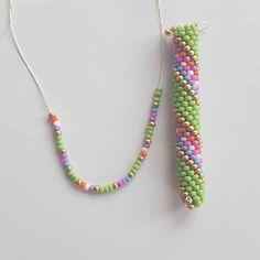 Seed Bead Bracelets Tutorials, Beaded Bracelets, Bead Crochet Rope, Jewelry Crafts, Seed Beads, Tassel Necklace, Handmade, Inspiration, Instagram
