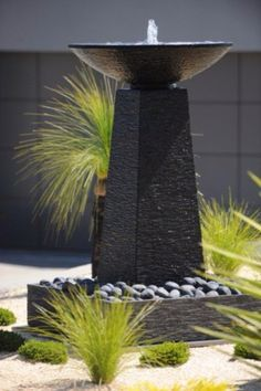 Modern fountain Informations About Modern fountain Pin You c Indoor Water Garden, Indoor Water Fountains, Backyard Water Feature, Indoor Fountain, Patio Fountain, Landscaping With Fountains, Garden Fountains, Modern Landscaping, Backyard Landscaping