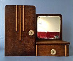 Art deco - houten hangkastje