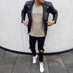 What do you think❓Leave a comment⏬ Make sure you follow: @style.above _______________________________________________  Check out: @footwearfactory ‼️__________________________________________________________ #fashion  #style #stylish  #swagger  #photooftheday #jacket  #ootdmen  #instagood #handsome #outfit  #boy  #man #model #inspiration #dapper #sneakers #styles #ootd #fresh #dope #fashiondiaries #fashionblogger #fashionista #fashionaddict #fashionistas #menstyle #streetstyle #dutch…