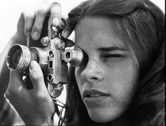 Sally Mann et Leica - can find Sally mann and more on our website.Sally Mann et Leica - Sally Mann Photography, Gopro Photography, People Photography, Portrait Photography, Landscape Photography, Wedding Photography, Girls With Cameras, Leica Camera, Camera Gear