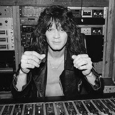 "18 Likes, 1 Comments - Eddie van halen Photos (@eddievanhalenphotos) on Instagram: ""I love this photoshoots #eddievanhalen #rockstar #hardrock #80s #vintage #vanhalen #rocknroll…"""