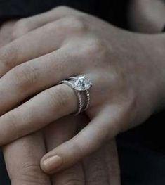 Sophie Turner's ring is so gorgeous Danielle Jonas, Sapphire Dress, Cute Wedding Ideas, Dress Rings, Diamond Jewelry, Gemstone Rings, Wedding Rings, Engagement Rings, Sophie Turner