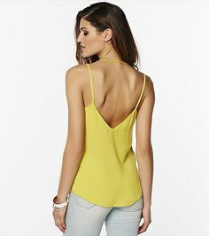 Reveal your sexy back with this electric pear halter v-neck cami! Style Me, Your Style, Body Con Skirt, Spring Looks, Simple Outfits, Fashion Outfits, Womens Fashion, Camisole Top, V Neck