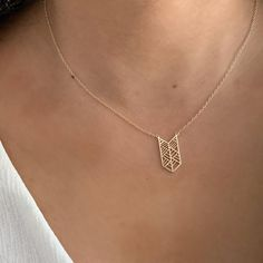 Dainty detailing on the Chevron Layering Necklace✨🤗 Boho Jewelry, Layering, Chevron, Gold Necklace, Fashion, Moda, Gold Pendant Necklace, Fashion Styles, Fasion