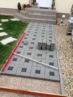 Backyard Walkway, Backyard Patio Designs, Front Yard Landscaping, Brick Pathway, Brick Paving, Outside Flooring, Outdoor Paving, Paving Design, Driveway Design