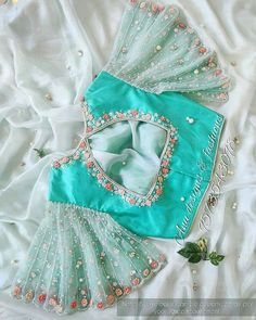 Kids Blouse Designs, Sari Blouse Designs, Designer Blouse Patterns, Bridal Blouse Designs, Stylish Blouse Design, Stylish Dress Designs, Sleeves Designs For Dresses, Bollywood, Kurti Designs Party Wear