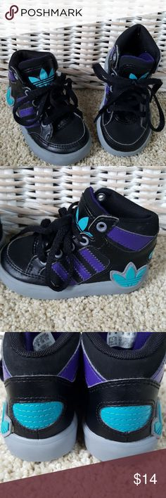 Adidas High Top Sneaker Size 5 Little boys Adidas High Top in black with purple and aqua detail. Size 5. In excellent condition but missing insoles. New ones could be cut to fit. From a smoke-free home. adidas Shoes Sneakers