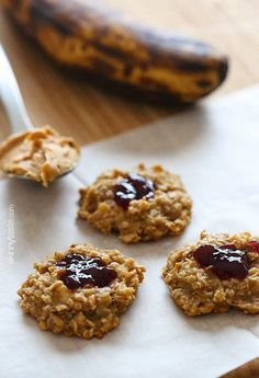 PB & J Healthy Oatmeal Cookies..Made with just just 4 ingredients – bananas, oats, peanut butter and jelly! Customize with your fave nut butter. Via skinnytaste