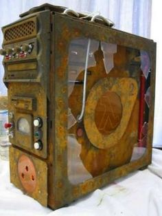 """Half-Life 2 Case Mod - """"The right man in the wrong place can make all the difference in the world. Gaming Pc Build, Computer Build, Gaming Pcs, Computer Repair, Computer Technology, Gaming Computer, Custom Computer Case, Custom Computers, High End Gaming Pc"""