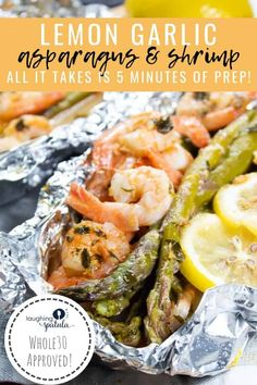 These healthy packets of Garlic Lemon Shrimp and Asparagus come together in 5 minutes, and bake up in 25 for a quick and flavorful healthy meal! Fish Recipes, Seafood Recipes, Dinner Recipes, Indian Recipes, Easy Cooking, Cooking Recipes, Healthy Recipes, Cooking Ribs, Cooking Games