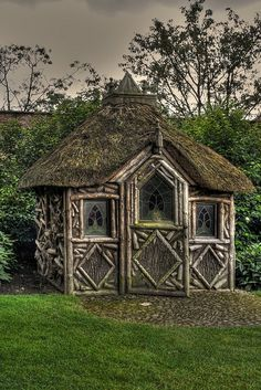 Thatched Shed by Charliebubbles