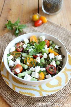 Salade de lentilles vertes, concombre, tomates et feta