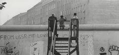 BERLIN 1968, Aussichtsplattform im Westen für den Blick nach Ost-Berlin an der Berliner Mauer, Foto: Barbara Klemm