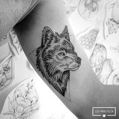 Vlw Ítallo! #tattoosp #tatuagem #tattoo #dotwork #pontilhismo #wolf #wolftattoo #animaltattoo #blackwork #blacktattoo