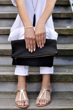 * Pochette pliable en cuir * #pochette #cuir #leather #madeinfrance #lesdesinvoltes