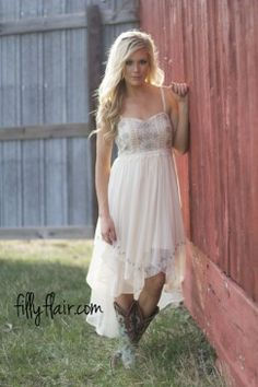 Cute Trendy Dresses Shipped From The Midwest Browse Our Maxi Bridesmaids Long Sleeve And More Clothing At Affordable