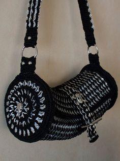Pop tab crochet purse by Tharanthiel