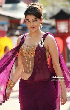 Good looking lady Actress Anushka, Bollywood Actress, Beautiful Saree, Beautiful Indian Actress, Hot Actresses, Indian Actresses, Madhuri Dixit Saree, Indian Bikini, Cinema Actress
