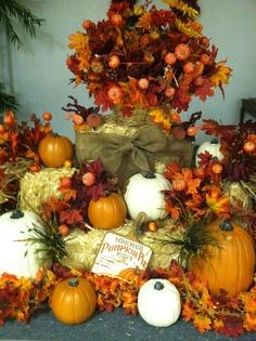 Welcome Fall Display