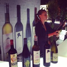 Vogue Fashion's Night Out, Vogue Fashion Night, Night Out, Madrid, Projects To Try, Wine, Bottle, Wine Cellars, Red, Events