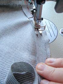 Präntöön Kruppukräätäri: Maailman helpoin hihan istutus Sewing Tips, Sewing Hacks, Nail Clippers, Couture, Haute Couture