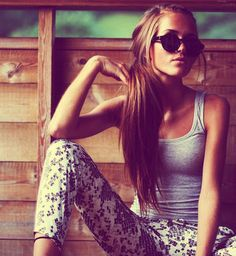 Relaxed hippie chic!!  :)