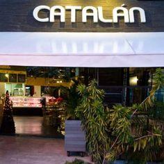 En nuestros restaurantes Catalán te ofrecemos una amplia variedad de productos en platos listos y comidas rápidas. Complementado con toda nuestra línea de carnes frías y frescas para llevar. Encuéntranos en la entrada a Sabaneta por la av. Del Poblado.