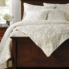 ivy hill home bedding | Ivy Hill Home Flowering Vine Quilt Set - Full-Queen in Taupe