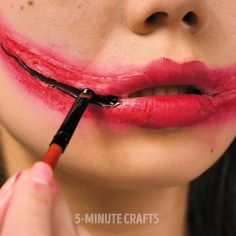 para mañana Amazing Halloween Makeup, Halloween Eyes, Halloween Makeup Looks, Halloween Party, Halloween Decorations, Halloween Nails, Halloween Recipe, Women Halloween, Halloween Crafts