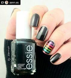 #Repost @aenn.es with @repostapp  Es wurde mal wieder Zeit für Haute tub  ich muss mir dringend noch ein Backup sichern... Auf den Akzentnagel habe ich alle Lacke aus der aktuellen Tiu LE gequetscht  PS: was da mit dem Licht passiert ist fragt mein Handy  #nails #notd #nailsofinstagram #nailstagram #nailsoftheday #nails2inspire #nailart #naturalnails #nail #nailspiration #nailaddict #nailartoohlala #nagellack #instacool #beauty #nagellacksucht2015 #nailpolish #nagellackliebe #instanails…