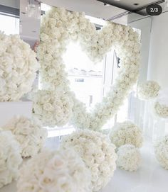 Balloon Clouds, Balloons, Wedding Flowers, Wedding Dresses, Paper Flowers, Dream Wedding, Wedding Inspiration, Birthday, Lace