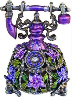 ✿ڿڰۣ(̆̃̃•Aussiegirl http://pinterest.com/aussiegirllori/purple-passion/
