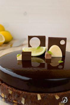 Tarta de Mousse de Chocolate, Crema de Limón y Toffee gelificado de Regaliz