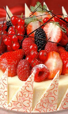 Wish wish wish wish wish for this right NOW. Berry cheese cake.