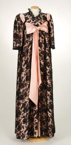 House coat, LLenceria Mitjans (Terrassa), 1960s...I want this!!!!
