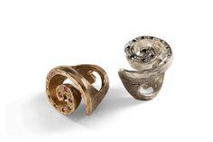 Anello in bronzo e rubini o argento e diamanti neri Designer: Simone Vera Bath  Lo trovate da YURIKO gioielli  in via della Moscova 27, Milano