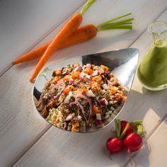 Taboulé de chou-fleur aux carottes, oignons rouges confits et coulis à la…