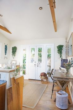Tour the 362 Sq. Ft. Venice Cottage of a Creative Young Family - The Everygirl
