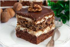 Orzechowiec na biszkopcie kakaowym z kremem maślanym i warstwą bezowo-orzechową. Sweet Recipes, Cake Recipes, Fab Cakes, Chocolate Bowls, Tiramisu, Cooking, Ethnic Recipes, Holiday, Cheesecake