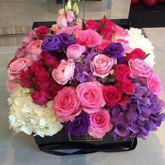 Your image is loading. All Flowers, My Flower, Beautiful Flowers, Wedding Flowers, Deco Floral, Arte Floral, Floral Design, Arrangements Ikebana, Floral Arrangements