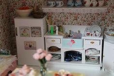Miniature Shabby Chic Kitchen - Villa Huvitus