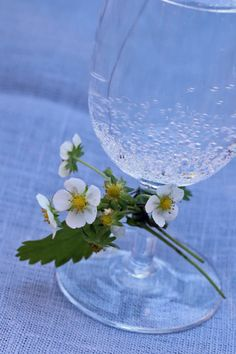 Glass Vase, Diy, Home Decor, Decoration Home, Bricolage, Room Decor, Diys, Handyman Projects, Do It Yourself