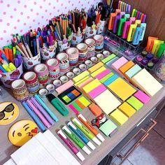 Stationary School, School Stationery, Cute Stationery, Study Room Decor, Cute Room Decor, Stationary Organization, Stationary Supplies, Stationary Design, Art Supplies Storage