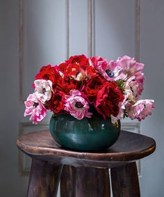 See more images from 5 simple spring centerpieces on domino.com