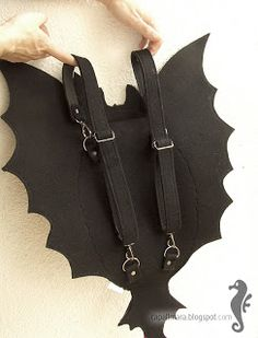 Backpack Toothless - funny, cute black dragon - felt - wings - for fan - how to train your dragon - MADE TO ORDER Toothless Funny, Halloween Candy Crafts, Novelty Bags, Dragon Party, Machine Embroidery Projects, Black Dragon, Moon Jewelry, How To Train Your Dragon, Kids Bags