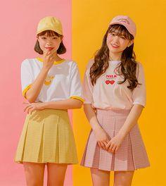 어떤맛이 제일좋아 tee | top | 아이스크림12(icecream12) Twin Outfits, Retro Outfits, Couple Outfits, Matching Outfits, Outfits For Teens, Iranian Women Fashion, Asian Fashion, Yellow Skirt Outfits, Looks Kawaii