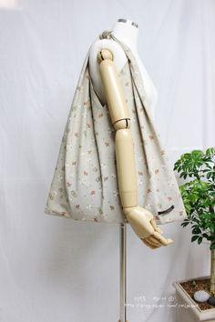 [홀로쏘잉]#101. 따스한 봄날, 들고나가기 간편한 봉지 에코백 만들기 : 네이버 블로그 Kimono Top, Tops, Women, Fashion, Moda, Fashion Styles, Fashion Illustrations, Woman