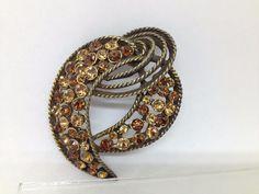 VTG Signed KRAMER OF NEW YORK Rhinestone DRESS / FUR CLIP Gold Tone Jewelry SALE #Kramer