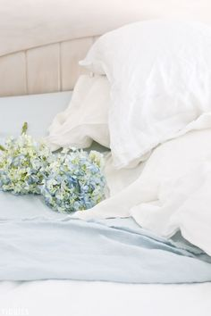 Delectable and delicious pure linen sheets - the highlight of my Spring bedroom refresh. #purelinen #linensheets #camitidbits #spring #springrefresh #cottagestyle #frenchstyle